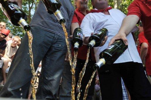 des bouteilles d'alcool